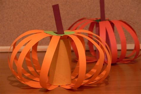 Construction Paper Pumpkin Crafts - pumpkins made from construction paper and a cardboard