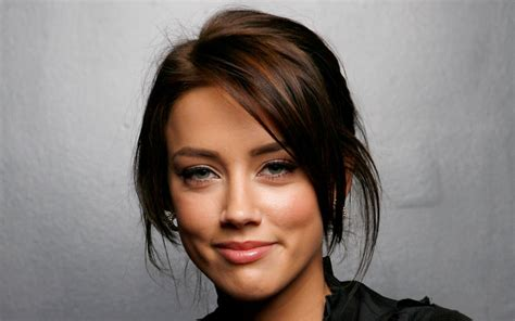heard of hollywood all stars amber heard profile photo picture