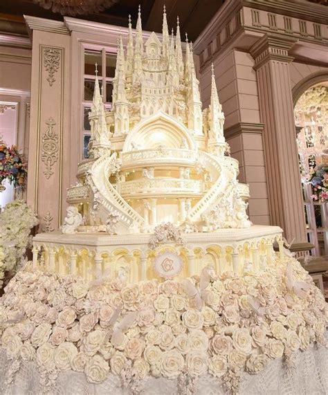 Hochzeitstorte Schloss by The Grandest Castle Wedding Cake Glenn Alinskie And