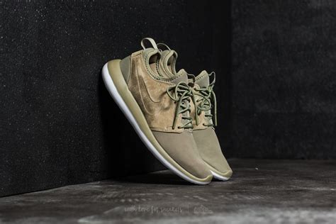 Nike Roshe Two Flyknit Black White Sepatu Pri Wanita Sneakers Premium nike roshe two br trooper trooper white black footshop