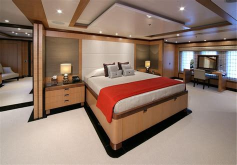 master on suite master image gallery my sovereign 55 master stateroom benetti yacht