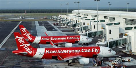 airasia facebook missing airasia plane likely at the bottom of the sea