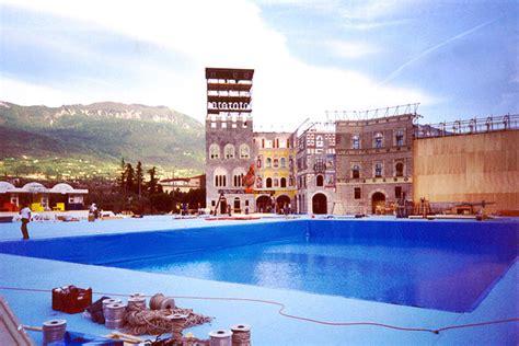 lunghezza vasca piscina vasche e piscine di scena fondali vinilici tipologie