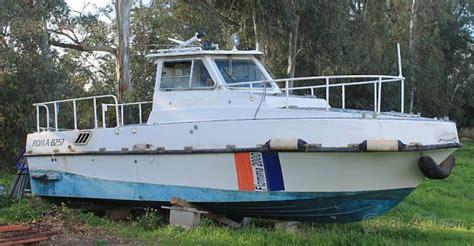 pilotina cabinata usata cerco barca cabinata fisherman metri motori cerca