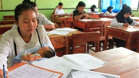 Wanita Gendong Bayi Viral wanita ini tidak malu ikut ujian nasional sambil gendong