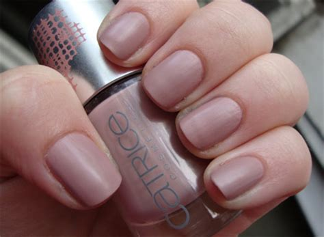 what colour nail varnish is in fashion 2014 nail trends for spring summer 2014
