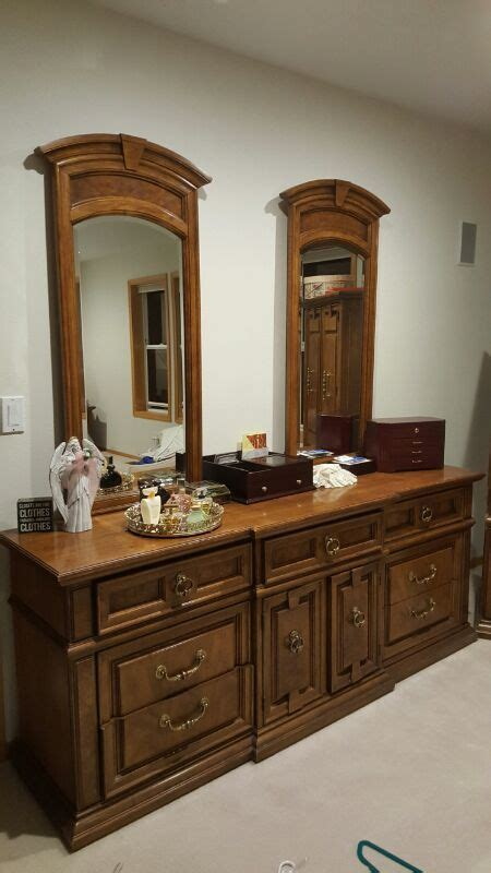 Thomasville King Bedroom Set thomasville king size bedroom set furniture in olalla