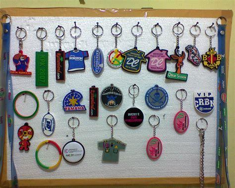Gantungan Tas Dan Kunci 4 gantungan kunci karet rumahindustri