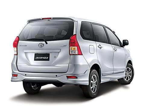 Lu Belakang Mobil Toyota Avanza toyota avanza bali rent car esia car rental