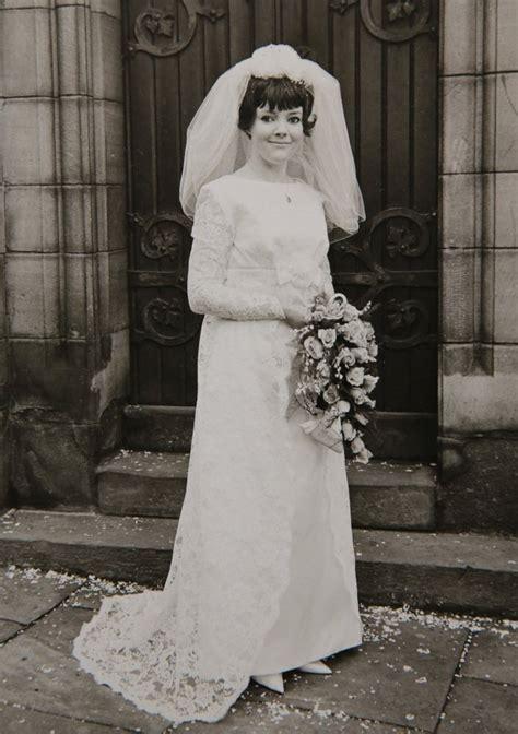 Bridennie Bell Wears Grans  Ee  Wedding Ee    Ee  Dress Ee   Down The