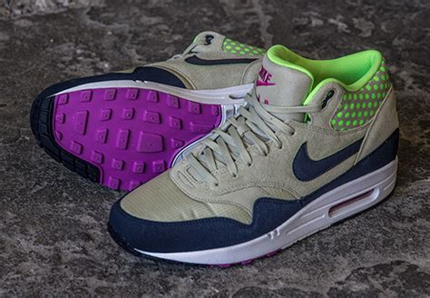 Nike Air One Rainbow List Tosca Sepatu Casual Wanita Kerja nike air max 1 mid light navy flash lime sneakernews