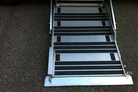 pedane per furgoni pedane laterali accesso su furgoni trasporto disabili