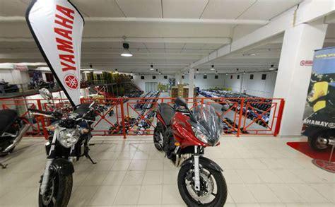 indirizzo commercio roma pagine web italia aziende motocicli e motocarri
