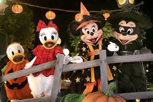 The Backyard Hong Kong Mickey Mouse And Pals To Dress Their Best For Disney S