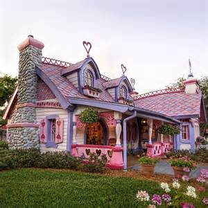 Cottage Garden Pinks - most beautiful storybook cottage homes smiuchin