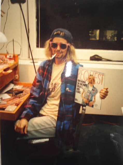 Kurt Cobain Wardrobe aura sun arts 187 kurt cobain