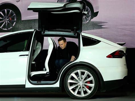 Tesla Motors Elon Musk Tesla Da Un Golpe En La Mesa Con Su Coche El 233 Ctrico Low