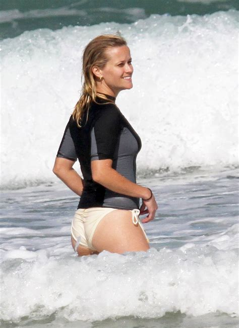 beachy texture photo reese witherspoons 10 best celebrity gossip entertainment news celebrity news