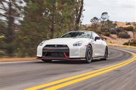 Godzilla By The Numbers 2009 2017 Nissan Gt R Motor Trend