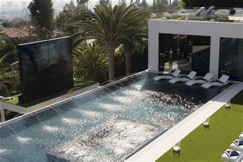 inside bruce makowsky s 250 million dollar mansion metro five questions for the man who built the 250m los angeles