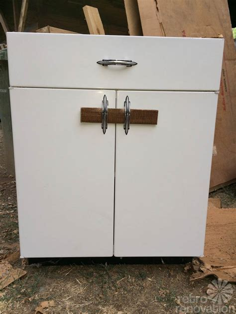 Metal Kitchen Base Cabinets Boxed Up For 67 Years And Now Set Free Brand New 1948 Youngstown Kitchen Cabinets 1948 Ge