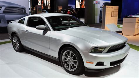 2011 ford mustang v6 31 mpg highway most efficient