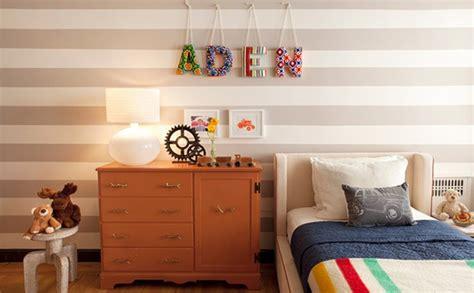 desain dinding kamar kamar tidur dengan desain dinding garis garis rancangan