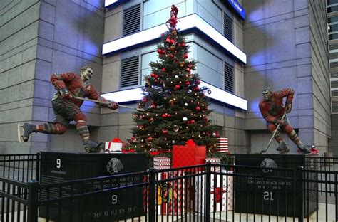 christmas tree at the los angeles staples center store hours 2016 when do stores