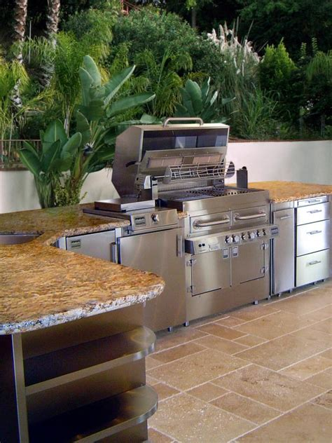 Outdoor Kitchens 10 Tips For Better Design Hgtv Outside Kitchen Designs