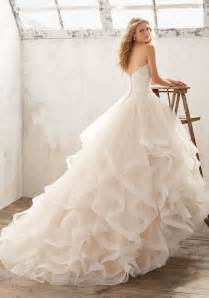 dresses for larger for weddings 25 best ideas about big wedding dresses on