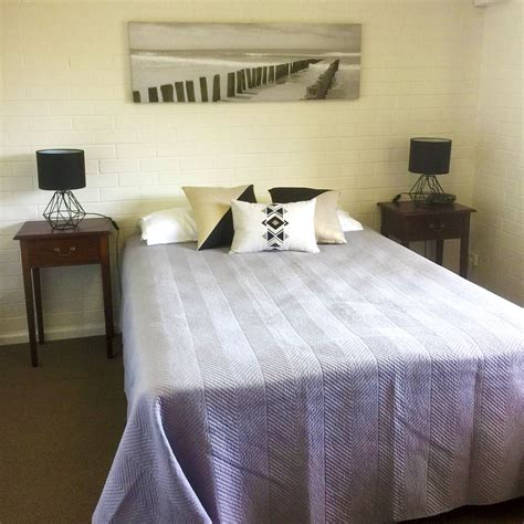 intown suites one bedroom apartment geraldton intown apartments