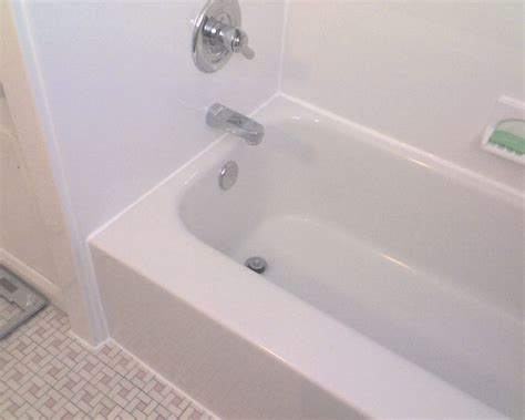 Cost Of A New Bathtub by Bathtub Liner Costs 171 Bathroom Design