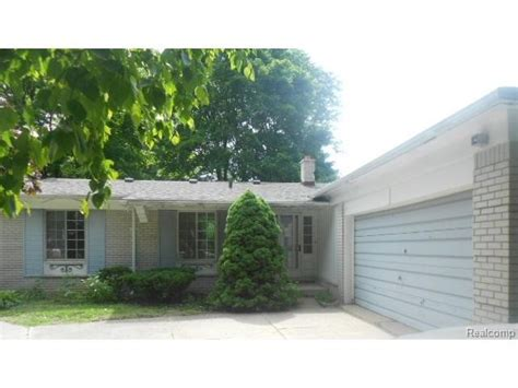 houses for sale in southfield mi 27501 abington st southfield michigan 48076 reo home details reo properties and