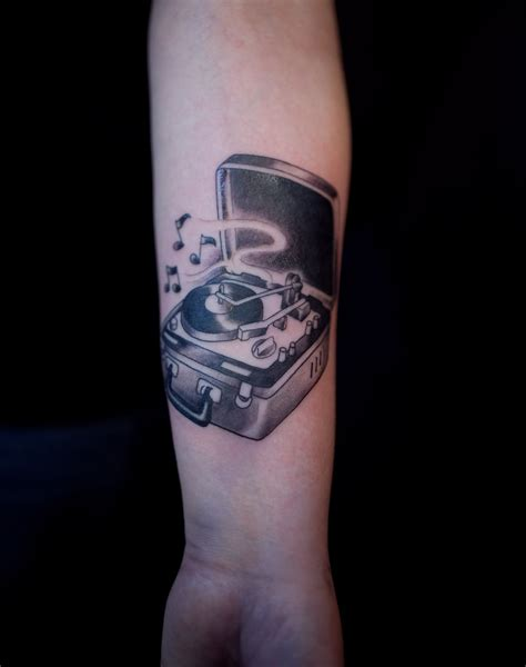 turntable tattoo i want a record player some day something like