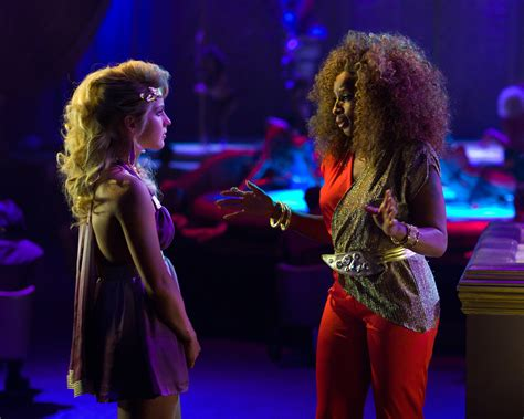 sherrie hairstyle in rock of ages film mary j blige delivers justice in rock of ages front