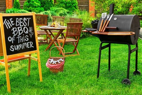 how to host a stress free backyard bbq 5 minutes for