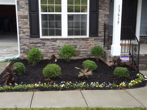 Landscaping Mulch Ideas Landscaping Ideas With Black Mulch Home Decorating Ideas