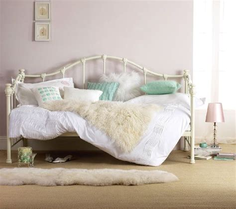 day bed ideas best 20 daybed bedding ideas on pinterest