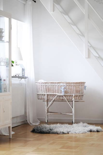 bassinet fits perfectly  stairs tips  stylish
