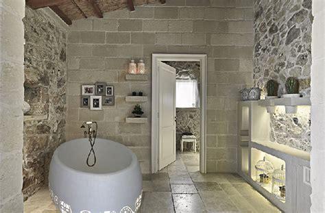 arredare con la pietra scegliere la pietra in bagno per un effetto di rustica