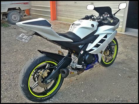 r15 motorsycle in 2014 model 2014 yamaha yzf r15 picture 2764785