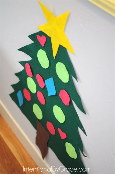 how to make a felt christmas tree and how to use it for