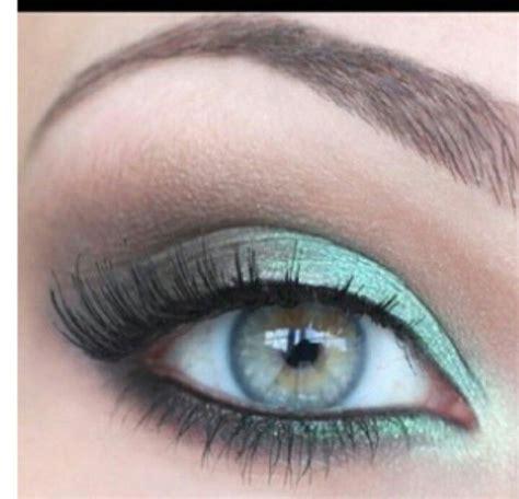 Eyeshadow Green aquamarine green hair makeup