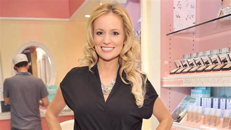 Bachelorette Expecting by Quot Bachelorette Quot Emily Maynard Is Cbs News