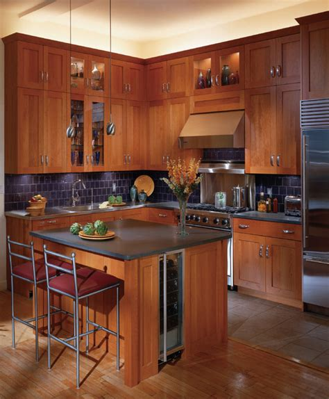 shaker cherry kitchen cabinets traditional kitchen