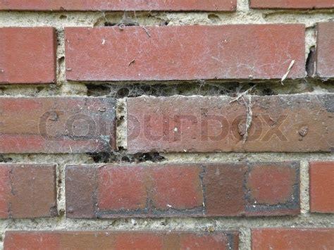 ziegel klinker wand mit gebrochenen zement l 246 cher und