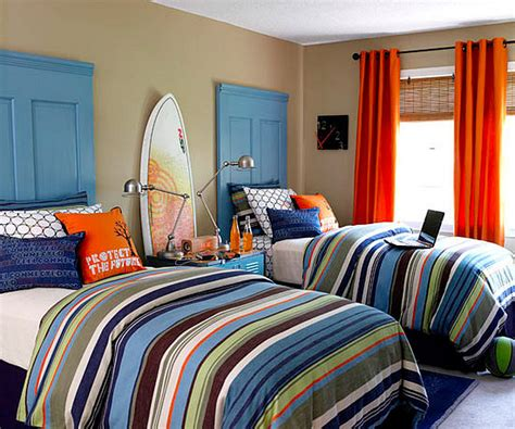 kids rooms with repurposed doors as headboards decoist