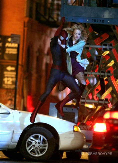 the amazing spider man 2 swing amazing spider man 2 set photos spidey and gwen swing