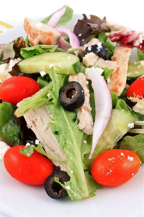 greek salad recipe with grilled lemon chicken culicurious greek grilled chicken salad kitchme