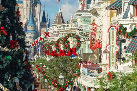 photos the magic kingdom s 2017 christmas holiday